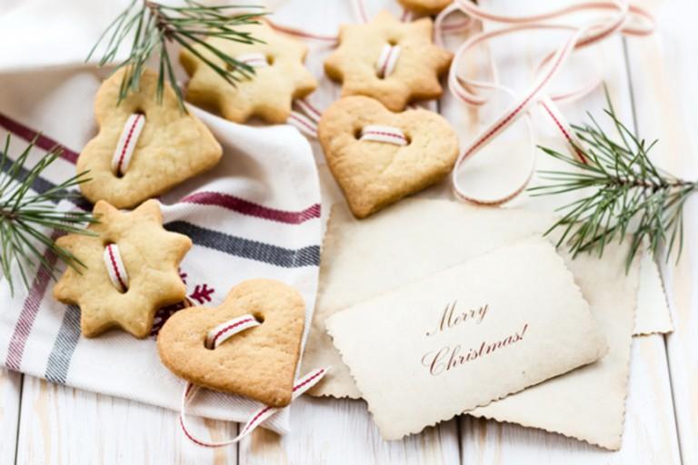 Gingerbreads σε σχήμα στολιδιών