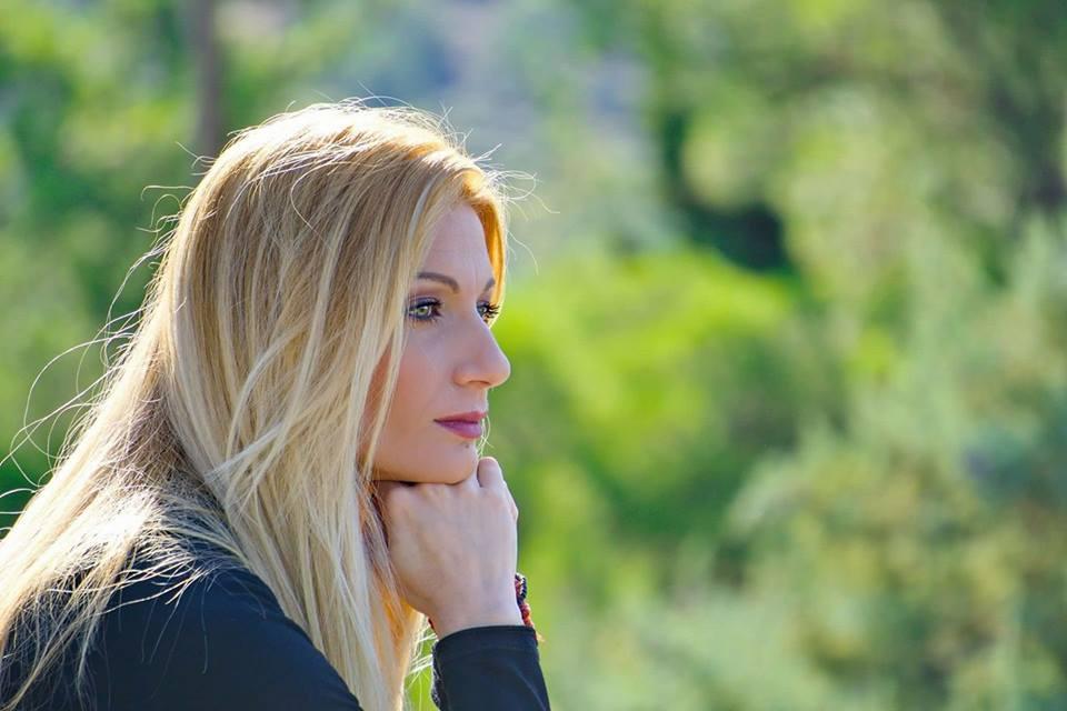 Στεφανία Ζηλακάκη : Μία καλόκαρδη λαϊκή φωνή από τη Θεσσαλονίκη