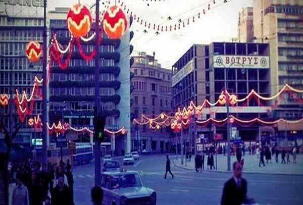 Ρετρό - Οι μαγικές βιτρίνες των Χριστουγέννων μιας άλλης εποχής στην Αθήνα!