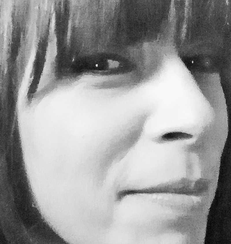 """Νατάσσα Καραμανλή «Το μπλουζ της Κυριακής-Ωτακουστής"""" από τις εκδόσεις Ανάτυπο"""