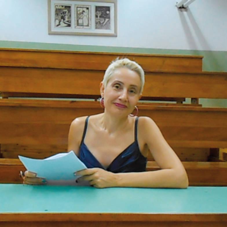 """Συνέντευξη: Σοφία Νικολαΐδου """"Σίγουρα η ζωή έχει πολλή, μα πολλή, φαντασία"""""""