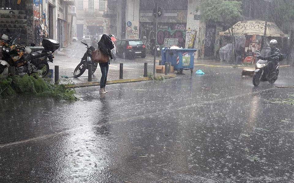 Έρχονται από σήμερα βροχές και καταιγίδες αλλά και πολλή σκόνη!