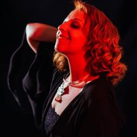 Λυδία Σέρβου: «Ο Μάνος Χατζιδάκις είναι ο συνθέτης της ψυχής μου και μου λείπει πολύ σήμερα»