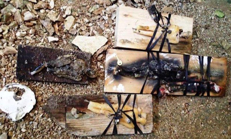 Εντοπίστηκαν κούκλες «βουντού» σε σπήλαιο στο Θέρμο Αιτωλοακαρνανίας (εικόνες)