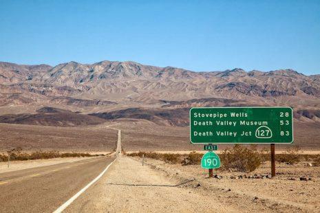 Κοιλάδα του θανάτου: Τι παράξενο συμβαίνει με το φαινόμενο των κινούμενων βράχων;