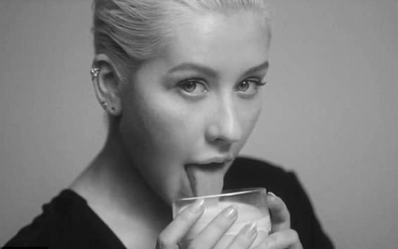 Η Christina Aguilera πιο γυμνή και προκλητική από ποτέ στο νέο της videoclip!
