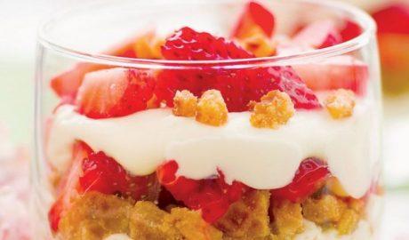 Τράιφλ με ζελέ φράουλας