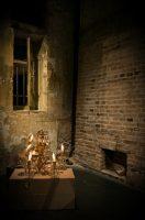 """«ΒΙΟΤΕΧΝΙΑ ΥΑΛΙΚΩΝ» του Μένη Κουμανταρέα στο Χώρο Τέχνης και δράσης """"Βρυσάκι"""" για 4 μόνο παραστάσεις"""