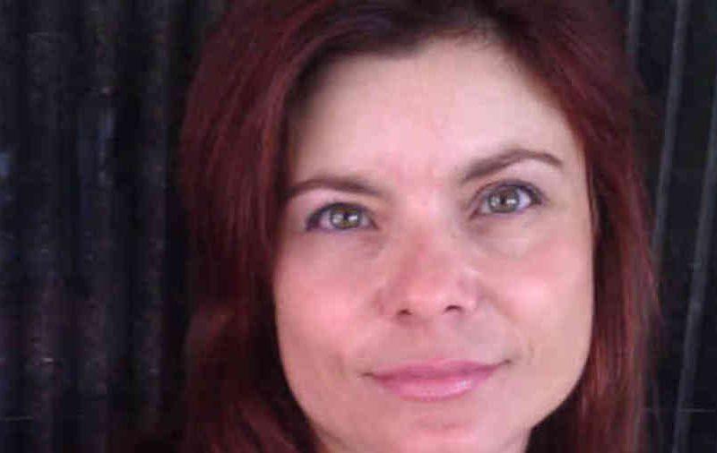 """Συνέντευξη: Ιφιγένεια Τέκου «Η φιλαναγνωσία μας περιορίζεται δυστυχώς στους ένα-δυο μήνες του καλοκαιριού"""""""