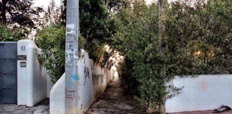 Αυτά είναι τα δρομάκια στο Μάτι που δεν μπορούσαν να βρουν οι άνθρωποι και κάηκαν ζωντανοί