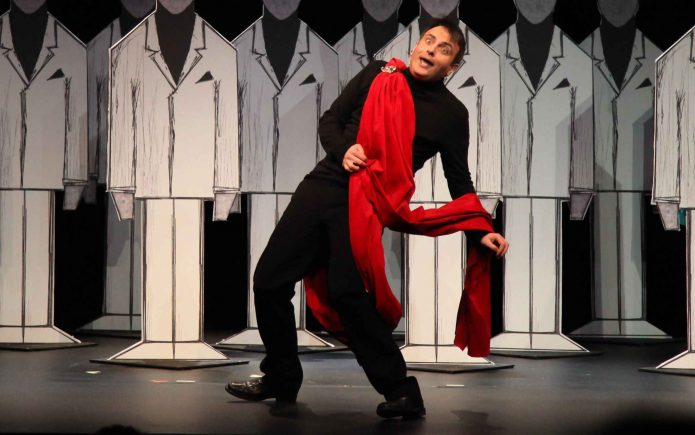 «Τα Ραδίκια Ανάποδα» Του Γιώργου Γαλίτη Σε σκηνοθεσία Βλαδίμηρου Κυριακίδη | Καλοκαιρινή Περιοδεία 2018