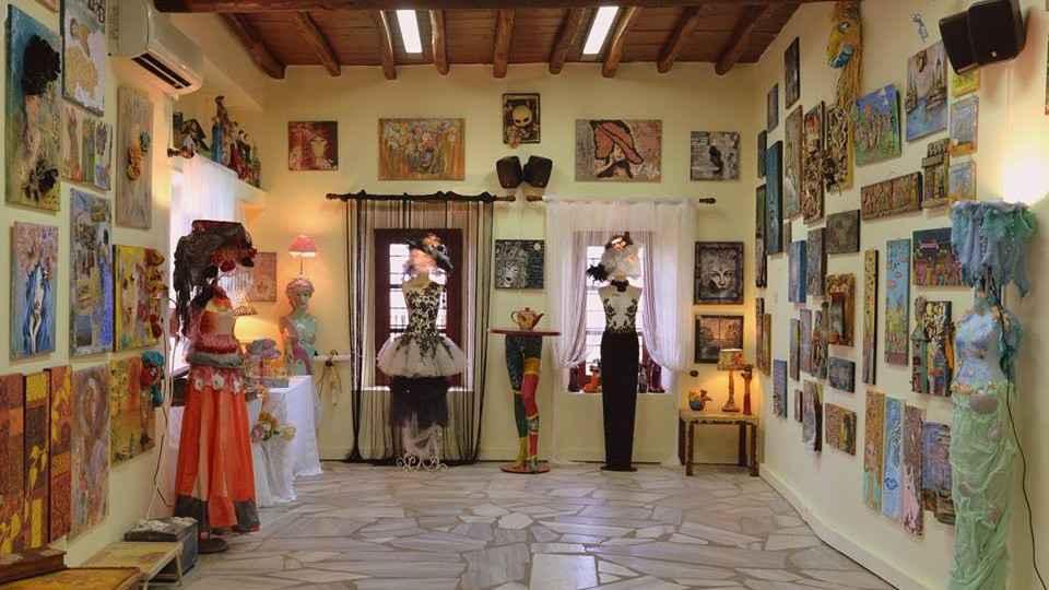 Εικαστικές και χρηστικές δημιουργίες από την Καρμέλλα Στεφάνου στο πλαίσιο του πολιτιστικού προγράμματος «Σύρος Πολιτισμός 2018»