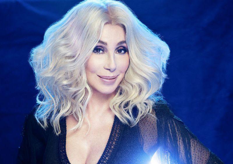 Η Cher διασκευάζει ABBA σ' ένα ολόκληρο άλμπουμ!
