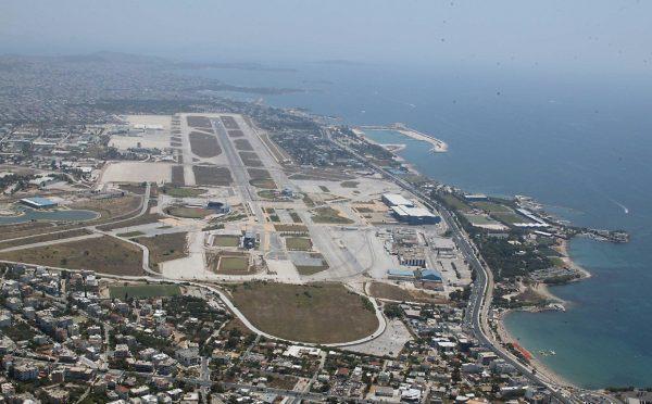 Ο ήρωας πιλότος της Ολυμπιακής που πέταξε το τεράστιο τζάμπο με έναν κατεστραμμένο κινητήρα πάνω από τις πολυκατοικίες της Αθήνας. Γιατί μέχρι σήμερα η Boeing θεωρεί ότι «έπεσε»...