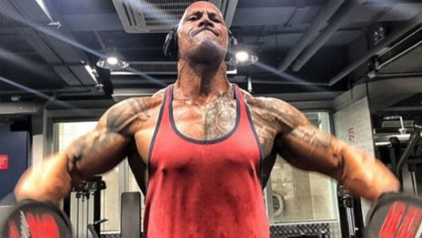 «The Rock»: Αποκάλυψε το πρόγραμμά του στο γυμναστήριο και μοιάζει ακατόρθωτο (vids)