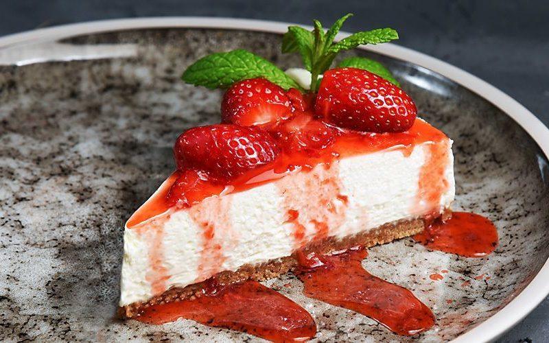 Ένα Cheesecake Φράουλα όλο γλύκα…