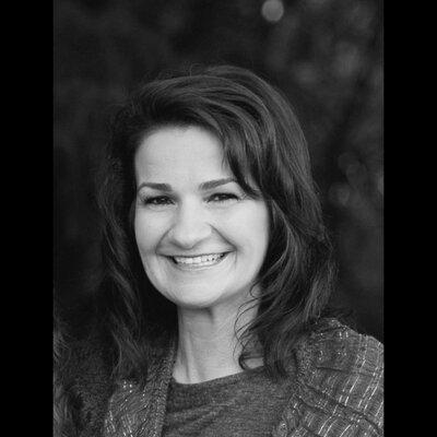 ", Helen Stephens ""Πώς να κρύψεις ένα Λιοντάρι στο σχολείο"" από τις εκδόσεις Ίκαρος"