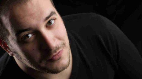"""Συνέντευξη: Χάρης Πανόπουλος """"Η κρητική μουσική είναι η μονή, μουσική του τόπου μας, που δεν έχει σταματήσει να εξελίσσεται και να επαναπροσδιορίζεται"""""""