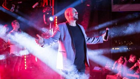 Λευτέρης Κιντάτος: «Ξεκάθαρα» έτοιμος για την πρεμιέρα του στο Romeo Plus της Πάτρας