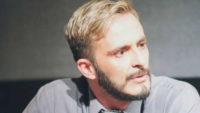 Γιάννης Κοκορέτσας: «Η ανάγκη μου να μάθω εμένα με ώθησε στην υποκριτική»