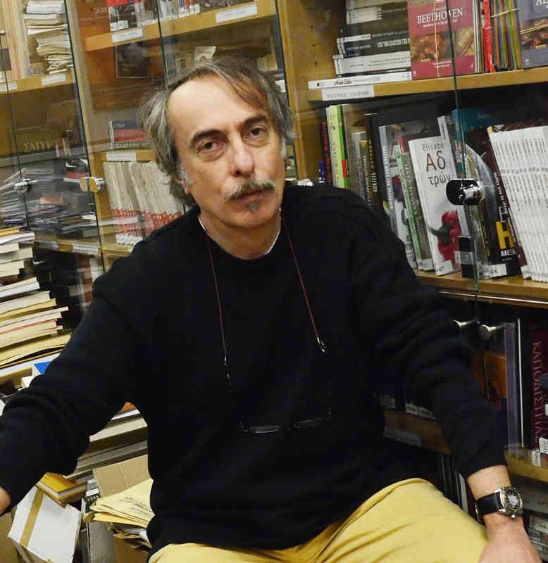 , «Έξι ιστορίες αναζητούν πρόσωπο» στο θέατρο Αλεξάνδρεια