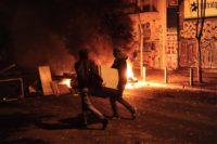 LIVE: Μολότοφ και φωτιές στα Εξάρχεια μετά τη συγκέντρωση για τον Γρηγορόπουλο | Φωτιά σε διαμέρισμα από μολότοφ