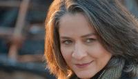 """Συνέντευξη: Λιζέτα Καλημέρη """"Η αυτοκριτική, ακόμα και η αυτομεμψία όταν χρειάζεται, είναι δρόμοι προς την αυτογνωσία"""""""