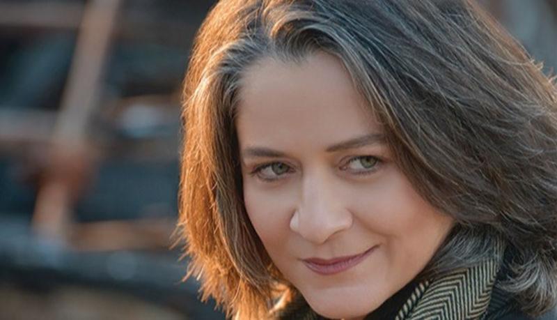 Συνέντευξη: Λιζέτα Καλημέρη «Η αυτοκριτική, ακόμα και η αυτομεμψία όταν χρειάζεται, είναι δρόμοι προς την αυτογνωσία»