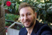 , Νίκος Κατράκης: «Η γενιά του Πολυτεχνείου κατέληξε σε μεγάλο φιάσκο!» | Γιατί ανεβάζει την «Σονάτα του Σεληνόφωτος» δωρεάν για τους ανέργους