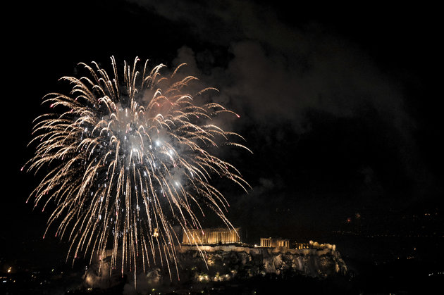 Η Αθήνα υποδέχεται το 2019 στο Θησείο