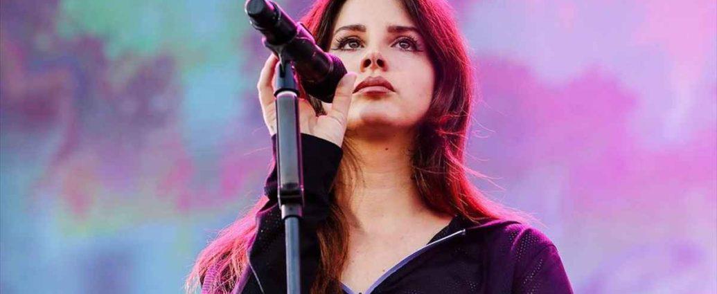 Η Lana Del Rey σκοπεύει να εκδώσει την πρώτη της ποιητική συλλογή