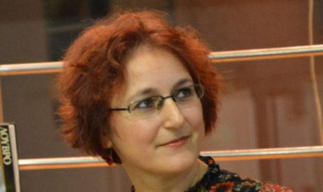 """Συνέντευξη: Τσαμπίκα Χατζηνικόλα """"Ο έρωτας είναι η μεγάλη μας παγίδα"""""""