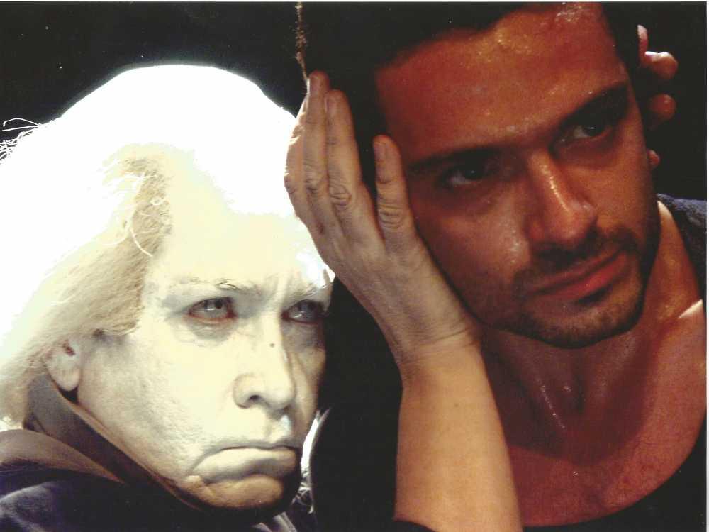 , Συνέντευξη: Ασπασία Κράλλη, η θεατρική της πορεία μέσα από ένα πλούσιο φωτογραφικό λεύκωμα