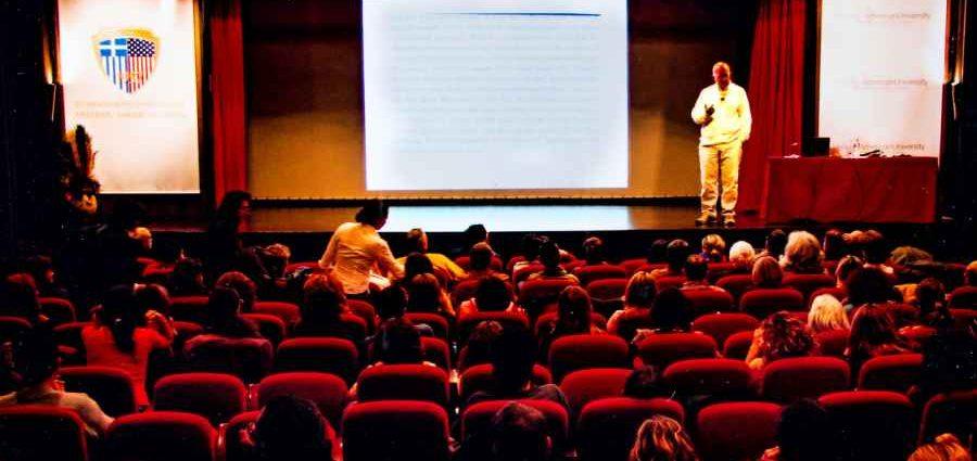 , «Οι συναντήσεις της Πέμπτης» τον Μάιο στο θέατρο της Ελληνοαμερικανικής Ένωσης