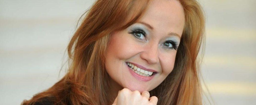 , Η μουσική καριέρα της βρετανίδας Sonia Evans