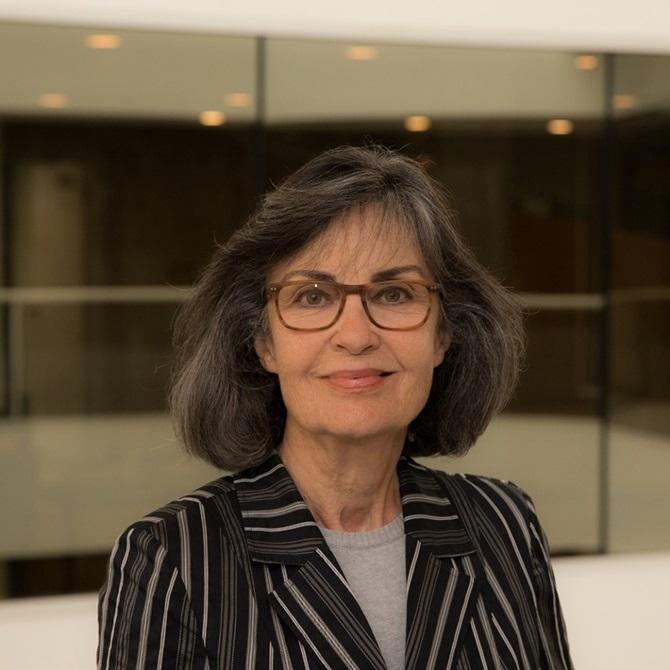 , Όλγα Καρλάτου: από την «Έξοδο Κινδύνου» στις…δικαστικές αίθουσες