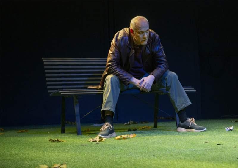 Ο Γιώργος Κιμούλης για πέντε ακόμη παραστάσεις με «Το Παγκάκι» στο ΤΟΠΟΣ ΑΛΛΟύ