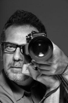 , Έκθεση φωτογραφίας του Γιάννη Βελισσαρίδη : «True Lies»