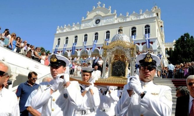 Πώς γιορτάζουν τον Δεκαπενταύγουστο στις Παναγιές της Ελλάδας!