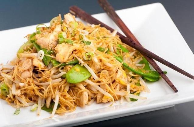 , Noodles με κοτόπουλο και λαχανικά