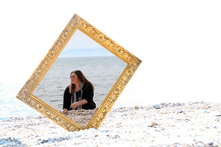 """, Δόμνα Κουντούρη : """"Είμαι κολλημένη στο τώρα, αλλά δεν σταματώ να ονειρεύομαι"""""""