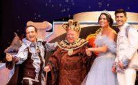 , Η γιορτή για τα παιδιά των ηθοποιών, η κοπή πίτας του ΤΑΣΕΗ και τα γενέθλια του Σπύρου Μπιμπίλα   Κυριακή 26 Ιανουαρίου στο Θέατρο Broadway