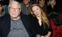 , Λαϊκό προσκύνημα για τον Κώστα Βουτσά στη Μητρόπολη Αθηνών | Tην Παρασκεύη η κηδεία του