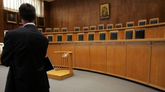 Το φιάσκο της κυβέρνησης : Οι δικηγόροι δεν παίρνουν το επίδομα των 800 ευρώ