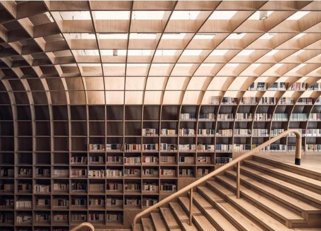 Μια ιστορική εκκλησία μετατρέπεται σ' ένα εντυπωσιακό βιβλιοπωλείο